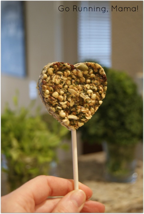Better Good Things: Healthy Kale Heart Pops from Go Running, Mama!  A better Valentine's treat filled with kale, grains, and cherries!